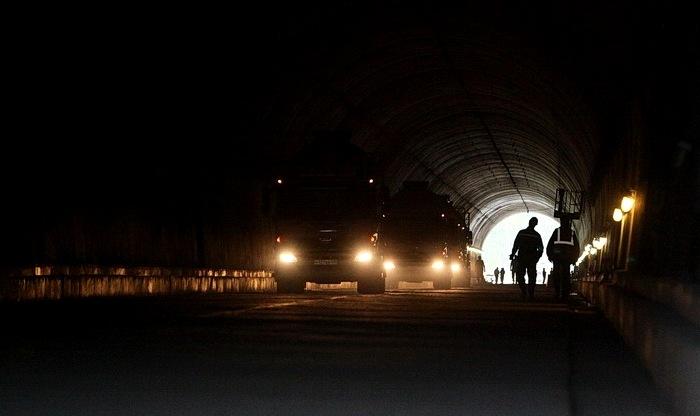 Нарвинский тоннель первые машины