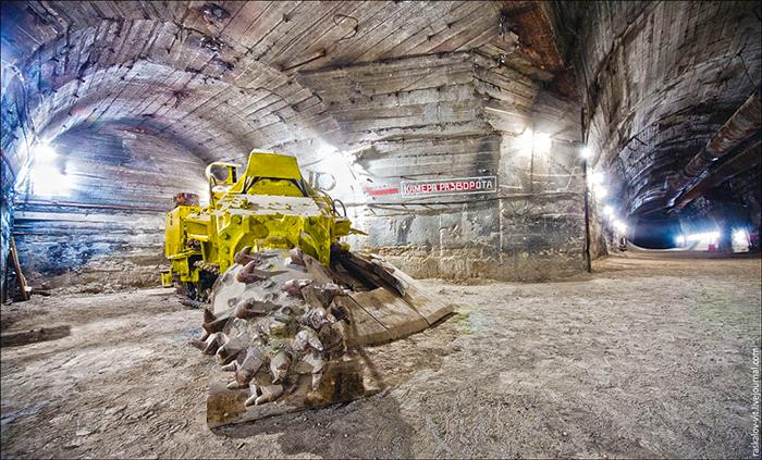 Строительство четырехполосного автодорожного тоннеля