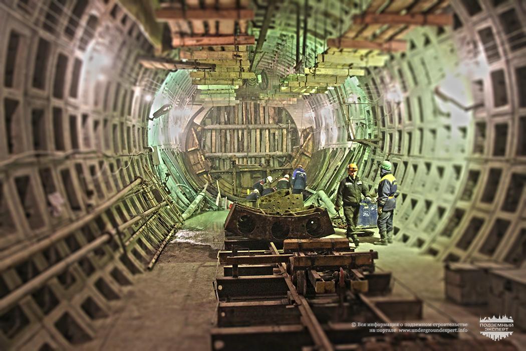 Тоннель метро Большой проспект