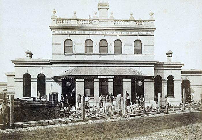 Одна из первых станций метро Лондона