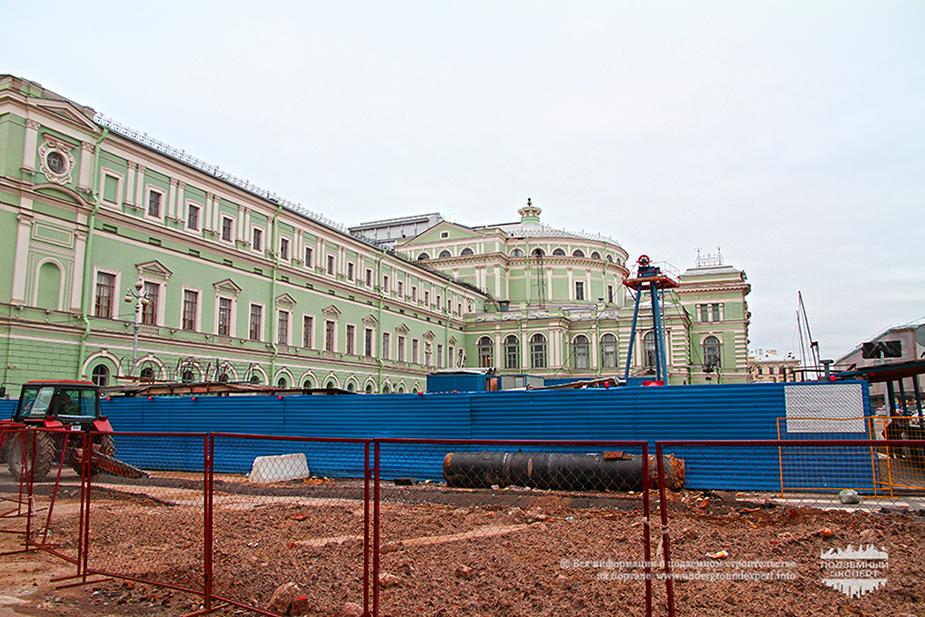 Строительство метро Театральная