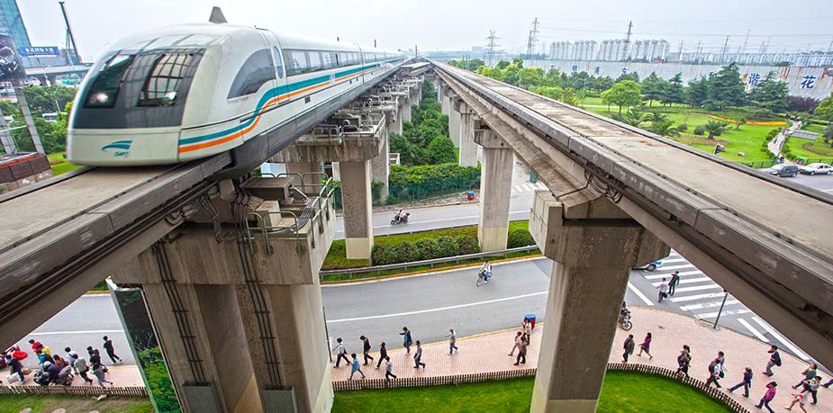 Магнитолевитационный поезд в Китае