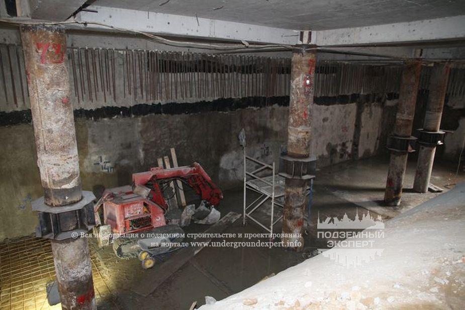 Строительная площадка станции метро «Дунайский проспект» в Санкт-Петербурге