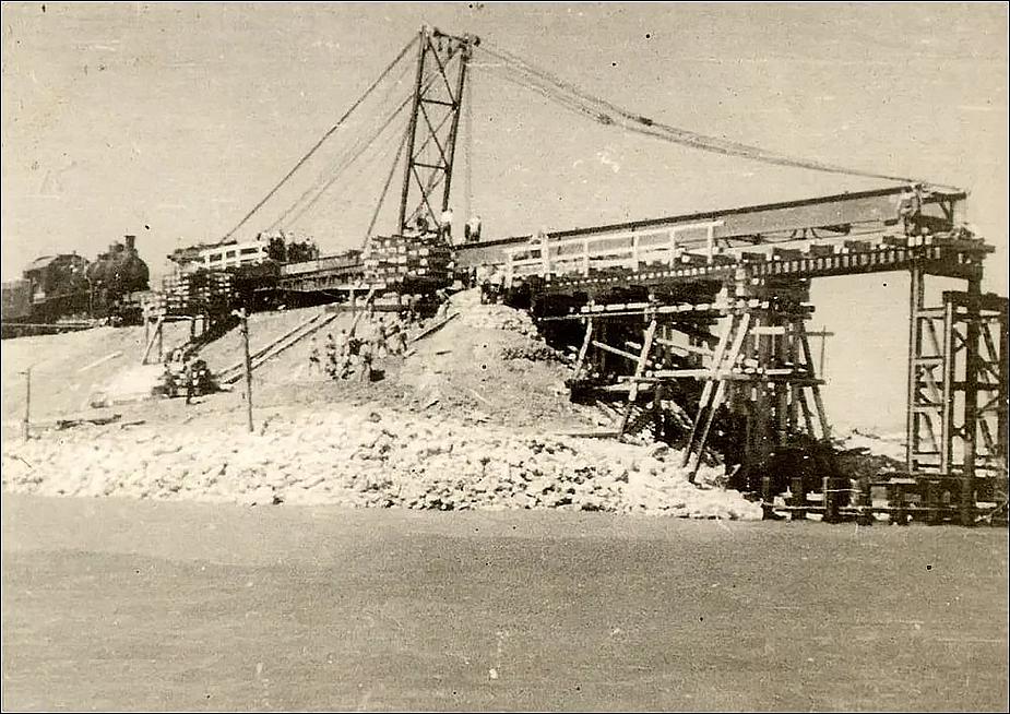 Строительство Керченского моста в 40-е гг.