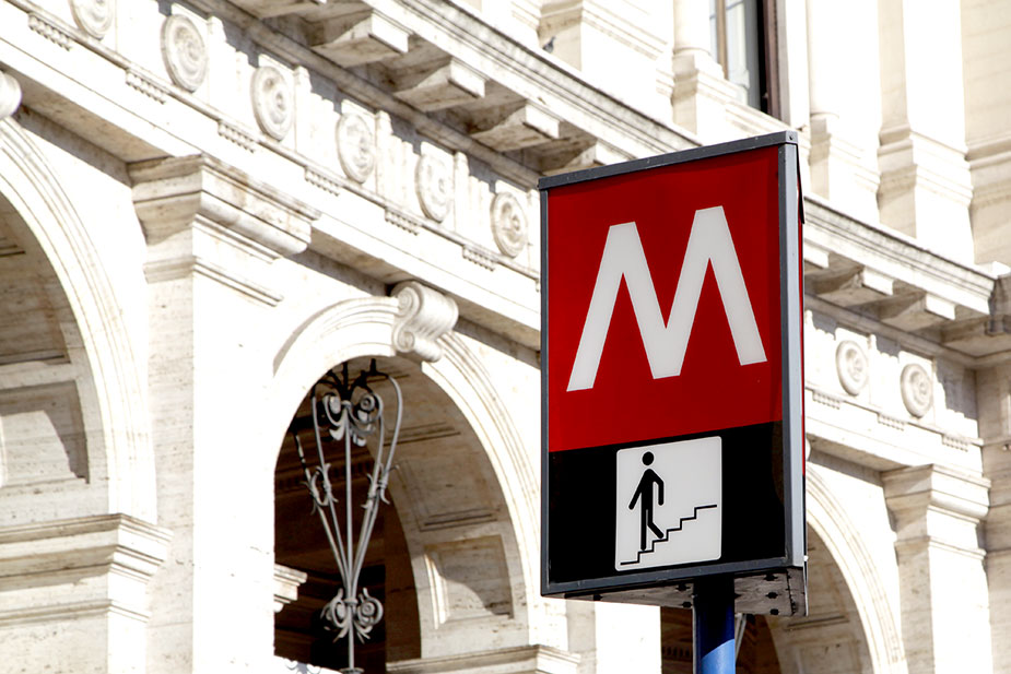 Логотип римского метро