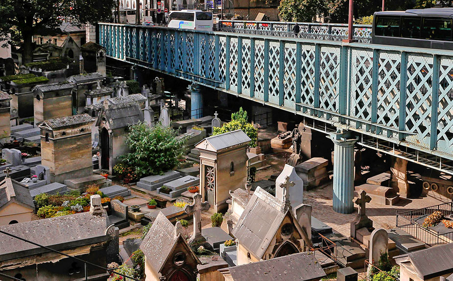 """Lifeless Island"" cemetery, Paris, France"