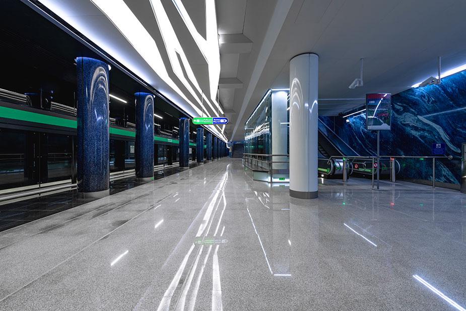 метро Новокрестовская
