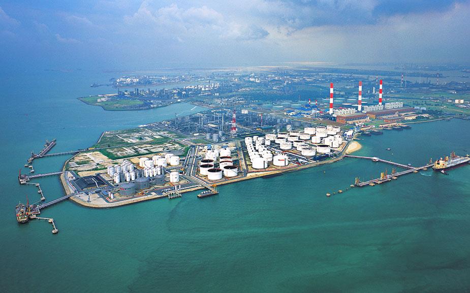 Singapore oil storage