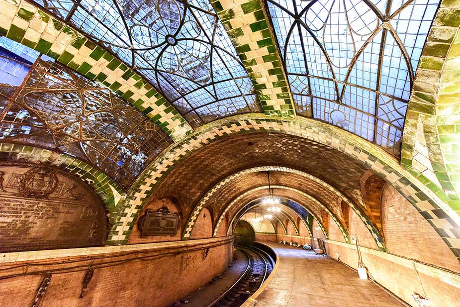 Первая станция метро Нью-Йорка - CityHall
