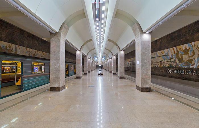 Станциям метро - Горьковская в Нижнем Новгороде