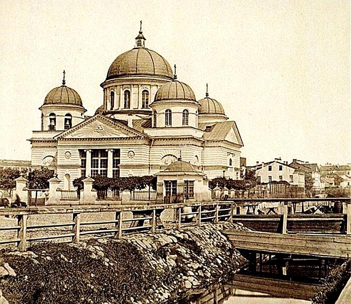 Площадь Знаменская и Лиговский канал