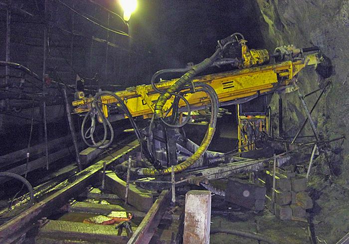 Бурение скважин станком горизонтального бурения ДИАМЕК -262