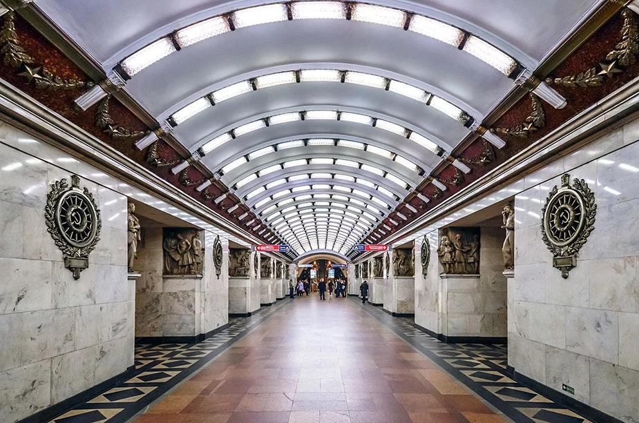Станция метро Нарвская