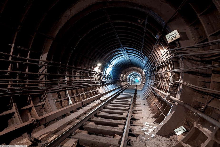 Тоннель к станции метро ВДНХ