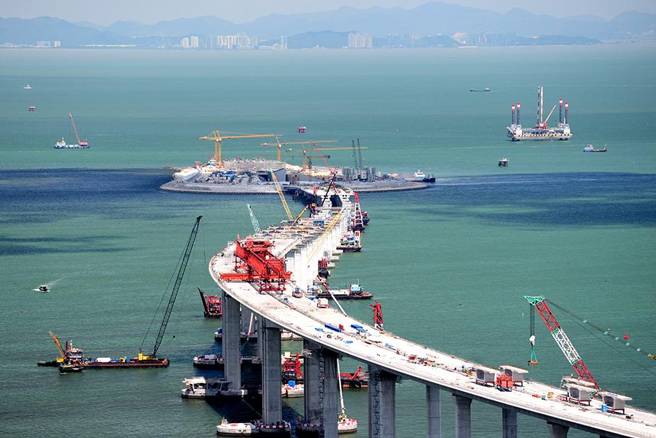 Foto - the construction of the bridge Hong Kong – Macao