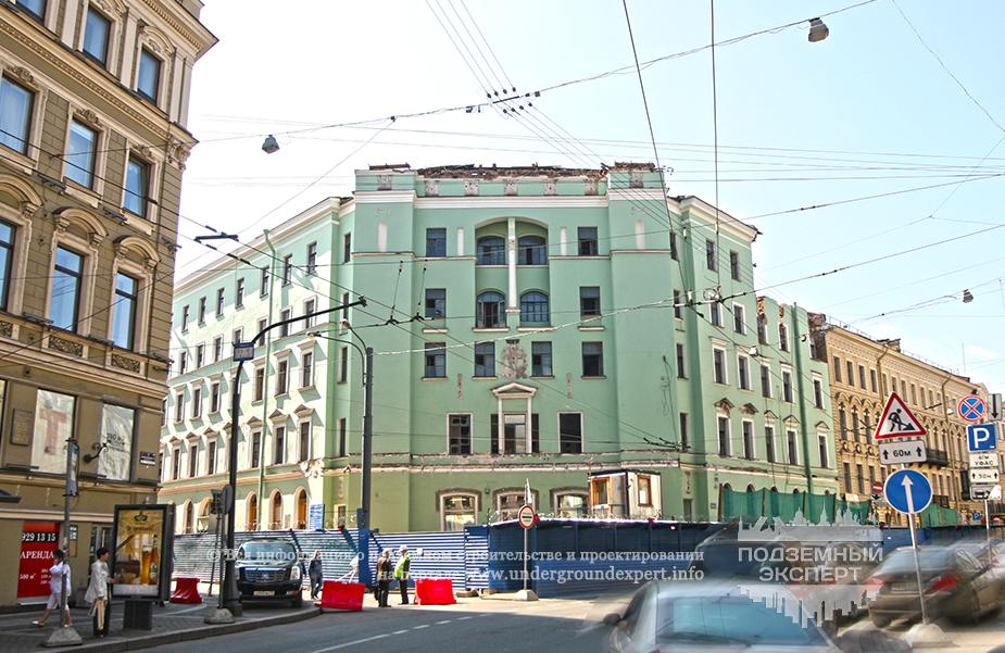 Фасад метро «Адмиралтейская»